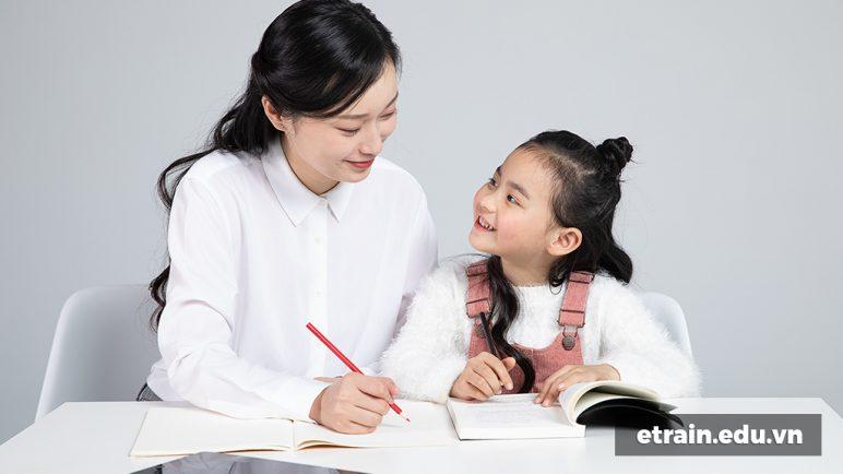 Chuyên gia giải đáp: Có nên cho trẻ 4 tuổi học tiếng Anh?